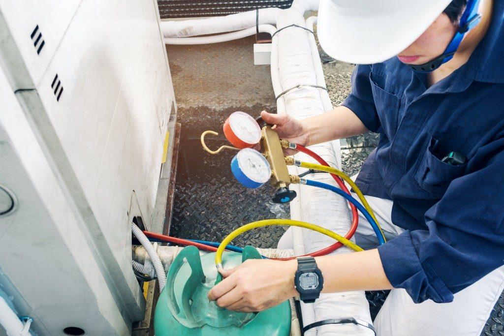 plumbing checking meter of water heater