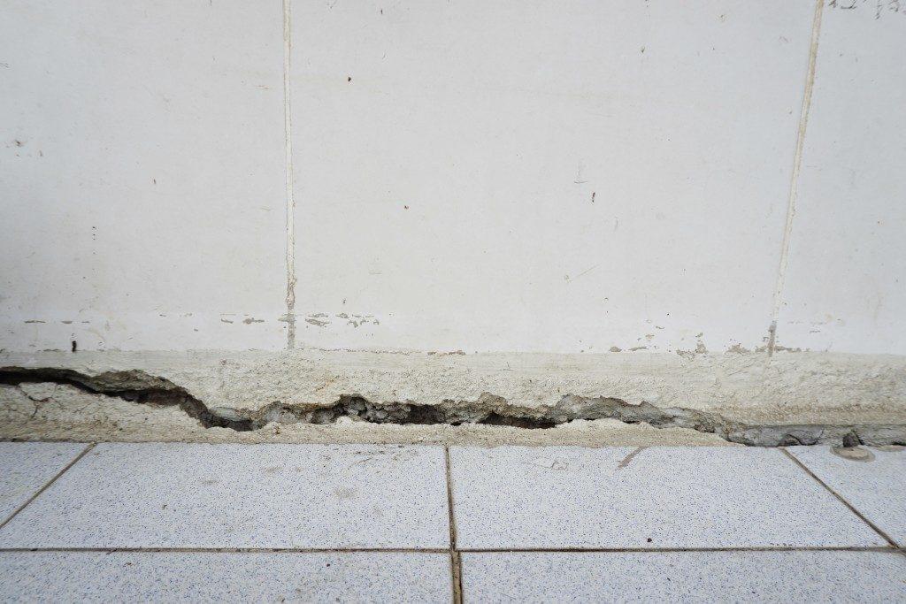 Wall crack inside a home