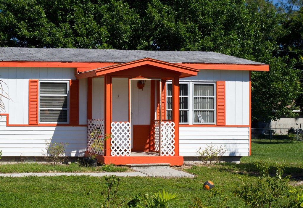 Modular house with orange accent