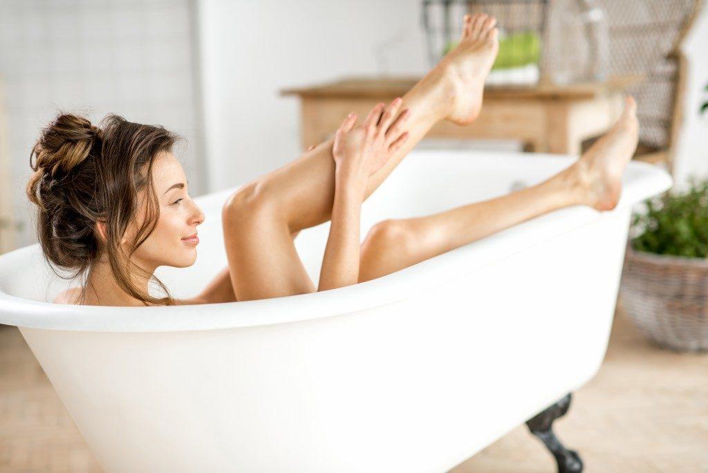woman at the bathtub
